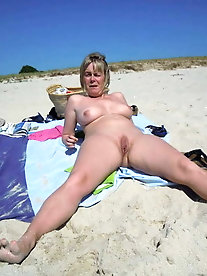 Mature Women Nudist Collection 47