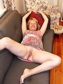 Matures and Grannies Spread 26