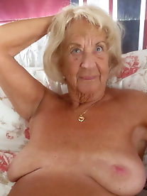 Mature lady loves a huge cock very much